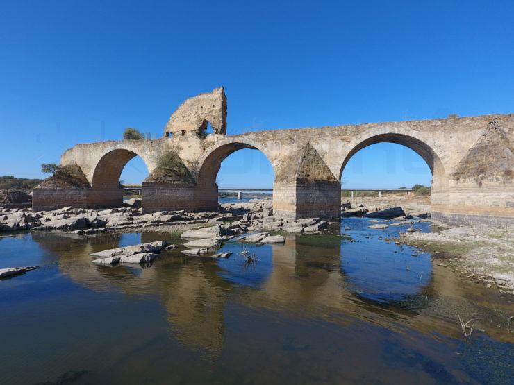 Puente Ajuda